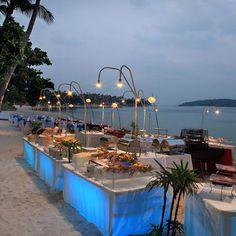 beach wedding dinner reception buffet food stations
