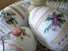 MonDu .robótkowanie.: ...haftowane pisanki...