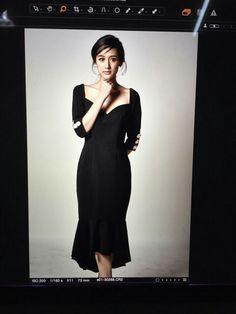 Beautiful new waves, talented actress Khun Pie Rinrada Kaewbuasai, PATINYA Privé collection, Cortina dress. Gorgeous ka Khun Pie. Thank you so much! @rxnrada @patinya_official @guitarpatinya www.patinyabkk.com #patinya #patinyaofficial #patinyabkk #fashion #dress #dresses #THAIDESIGNERS #thoughtsofspectacularmoments