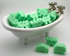 Videojuegos en la bañera http://www.yalosabes.com/creativos-e-inusuales-jabones.html