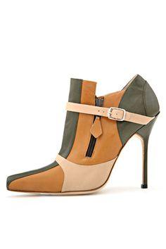 Manolo Blahnik shoe. :D Love it.  I don't know if I'd wear it, though..