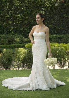 Princia is a mermaid wedding dress is made of tulle, with a sweetheart neckline…