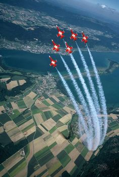 Swiss Air Force F-5E Tiger II, Patrouille Suisse Tiger Ii, Luftwaffe, Aviation Blog, Swiss Air, Aircraft Parts, Airplane Art, Red Arrow, Jet Plane, Air Show