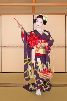 John Paul Foster - A Photographer of Geisha, Maiko, and Kyoto | Geisha & Maiko I | 1
