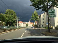Dunkle Regenfront in Bielefeld - da kommt was auf uns zu...