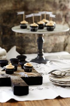 nomnom - these artisan cupcakes