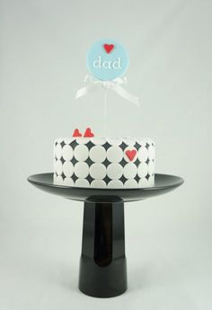 Mini Cake – Fathers Day detailed with circles. Created by two little figs cakes.