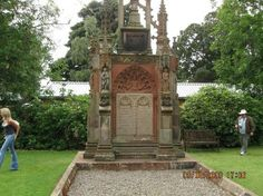 Rosslyn Chapel: tombs of counts of Sinclair