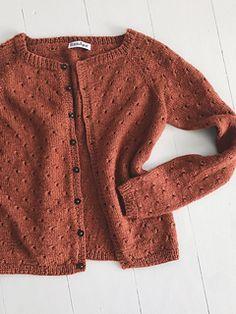 Knitting Patterns Top Ravelry: Anna& Cardigan - My Size pattern by PetiteKnit Cardigan Pattern, Top Pattern, Knit Cardigan, Raglan Pullover, Big Knits, Work Tops, My Size, Knit Patterns, Cardigans For Women