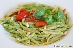 Trofie al pesto di rucola e pomodorini - http://www.toskanaitalien.de/trofie-pesto-rucola-pomodorini/
