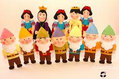 Personagens Branca de Neve em feltro