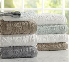 Sculpted Bath Towels ~ #fixerupperstyle