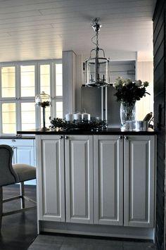 God morgen kjære lesere! Nå sitter jeg og nyter morgenkaffen og nyter synet av vårt nye Kjøkken! ...