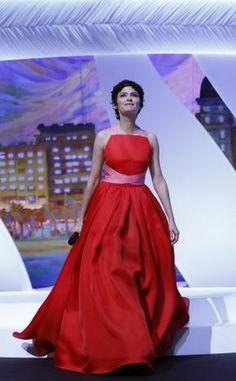 JPG ? Valentino ?Non : Prada   Audrey Tautou à Cannes 2013, en robe rouge | meltyFashion