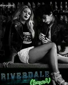 ~Riverdale~ Lili Reinhart and Cole Sprouse Bughead Riverdale, Riverdale Archie, Riverdale Funny, Riverdale Memes, Riverdale Season 1, Riverdale Shirts, Archie Comics, Riverdale Betty And Jughead, Lili Reinhart And Cole Sprouse