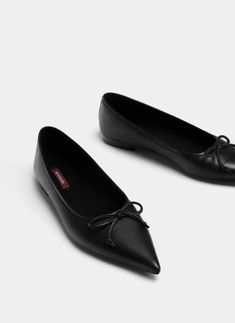 Uterqüe Sweden Product Page - New in - View all - Black leather ballerinas - 950