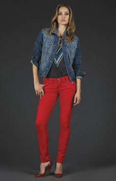 10 Things to Wear With Red Jeans