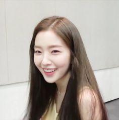(*) Twitter Seulgi, Kim Yerim, Red Velvet Irene, Blackpink Jisoo, White Roses, Korean Girl Groups, Kpop Girls, Amazing Women, My Girl