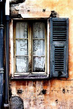 https://flic.kr/p/NnVfv   saorge french window