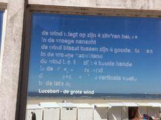 """@vanpottelberghe: """"Aan de voet van de pier voelde ik de wind blazen tussen zijn gouden tanden."""" #ideeensafari"""