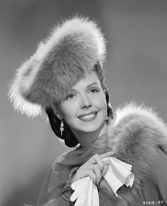 """Ann Miller - Easter Parade/****She starred as a """"featured dancer"""" in many of the old musical movies. Was often the """"second lead. Hollywood Icons, Golden Age Of Hollywood, Vintage Hollywood, Hollywood Glamour, Hollywood Stars, Hollywood Actresses, Classic Hollywood, Funny Vintage Photos, Actor Secundario"""