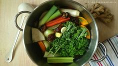 Wzmacniający i regenerujący bulion z warzyw – szybki detox i odżywienie organizmu.