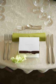 結婚式場写真「ホワイト×グリーンでナチュラルな会場を演出」 【みんなのウェディング】