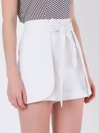 Resultado de imagem para bermudas femininas sociais de linho Nice Dresses, Short Dresses, White Shorts, High Waisted Skirt, Polo Shirt, Women Wear, Trousers, Mini Skirts, Plus Size
