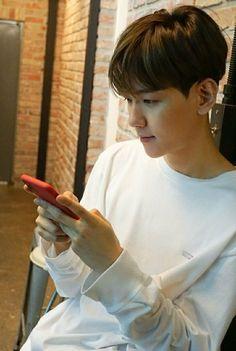 Luhan, Park Chanyeol, Exo Ot12, Chanbaek, Tao, Baekhyun Wallpaper, Kim Minseok, Korean Boy, Kim Woo Bin