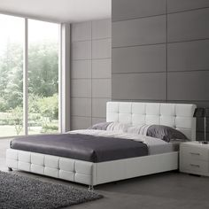 Martini King Size Bed In White Faux Leather With Aluminium Legs White Headboard, White Bedding, Attic Bedrooms, Bed Rooms, Retro Bed, Tv Beds, Leather Bed, Bedroom Furniture Design, Upholstered Platform Bed
