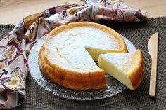 """750g vous propose la recette """"Cheesecake japonais aux 3 ingrédients"""" en pas à pas. Avec une photo pour chaque étape, la réalisation de cette recette est un jeu d'enfant."""