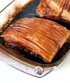 Heerlijk geroosterd buikspek ook wel babi spek genoemd. Zelf gemaakt zo veel lekkerder dan bij de meeste afhaalrestaurants.