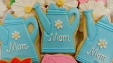 How to Decorate a Mother's Day Cookie (Watering Can)