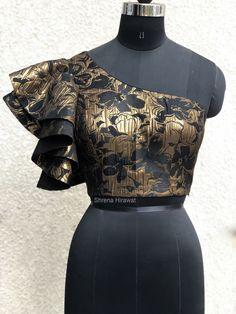 Label Shrena Hirawat #ruffle #blouse #oneshoulder #blackandgold #gold #ruffleblouse #worldwideshipping #shrenahirawat