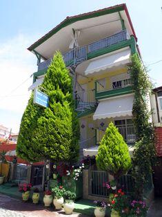 Stella Apartmanház (#Sarti, #Sithonia, #Görögország) #greece #szállás #apartman #halkidiki Apartments, Outdoor Decor, Home Decor, Decoration Home, Room Decor, Home Interior Design, Home Decoration, Penthouses, Flats