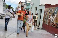 https://flic.kr/p/Ug2sxg | las tunas cargas (11) | ciudadanos de Las Tunas en su ir y venir cotidiano con cargas