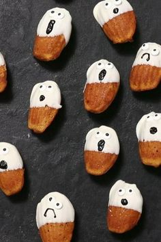 Make these sweet little cakes throughout the fall. For Halloween, all you need are some edible eyeballs and a bit of black food coloring to turn them into charming pumpkin ghosts. You'll need 2 (12-mold) madeleine pans to make this recipe. Find them at a kitchenware shop or online.#muffinrecipes #muffins #howtomakemuffins #recipes Halloween Wedding Cakes, Halloween Cakes, Halloween Treats, Kitchenware Shop, New Recipes, Cooking Recipes, Madeleine Recipe, Black Food Coloring, Dragon Cakes