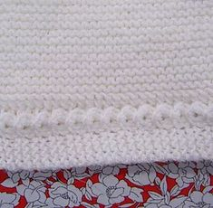puntomoderno.com tutorial Jersey de Bebé Alex Knitted Hats, Manga Raglan, Blanket, Knitting, Flan, Fashion, Craft, Iron, Pink