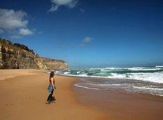 POST NOVO! Já está no ar o post sobre a Great Ocean Road uma das estradas mais cênicas do mundo!  O roteiro completo com fotos descrição e coordenadas de GPS você encontra em http://ift.tt/1ZbGH4z ou o link no nosso perfil!  #greatoceanroad #12apostolos #twelveapostles #melbourne #australia #pegadasnaaustralia #natgeotravel #picoftheday #viajenaviagem #photography #reflexo #bestvacations #blogueira #missaovt #vocenooff #aquelasuaviagem #braroundtheworld #trekking #instatravel #instagram…