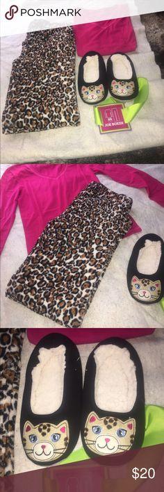 Joe Boxer Pajama Set Size Small Women's Soft Pajama Set/Brand New/Slippers are 7/8/Super soft bottoms/Long Sleeve top/Really a sweet set Joe Boxer Intimates & Sleepwear Pajamas