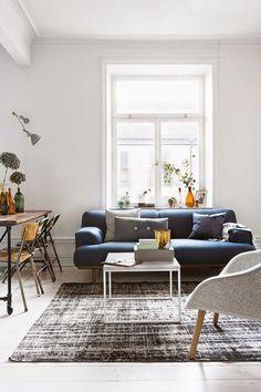 3 Pleasing Simple Ideas: Minimalist Living Room Black Couch minimalist home interior dreams.Minimalist Kitchen Essentials Chairs cozy minimalist home blankets. Interior Design Minimalist, Minimalist Home Decor, Minimalist Kitchen, Minimalist Living, Minimalist Bedroom, Modern Minimalist, Master Bedroom Interior, Bedroom Decor, Bedroom Neutral