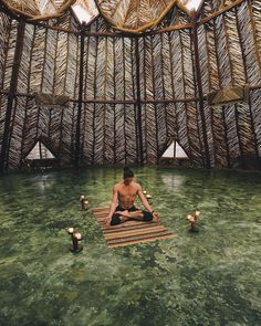Isn't it the most incredible yoga room ever? Everyday, we must make peace so we can all live in peace. ✌️ Jonah Kest