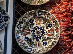 Vásárcsarnok - Népművészet, tányérok