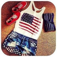34 Outfit Ideas for the 4th of July http://www.alwaysdolledup.com/2013/06/34-outfit-ideas-for-4th-of-july.html