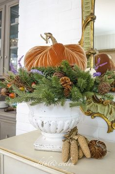 How to Create an Autumn Tablescape with Garland and Wreaths Velvet Pumpkins, Fabric Pumpkins, White Pumpkins, Fall Pumpkins, Fall Home Decor, Autumn Home, Autumn Decorating, Interior Decorating, Pumpkin Decorating