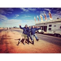 We arrived in #Birdsville the other day to drop off @baileyaustralia and @baileyofbristol! Here they are outside the @thebirdsvilleraces  before their flight! #W2EChallenge #desert #memories #posers #friends #adventure #australia #Straya #caravan #caravanclub #caravanning #tour #towing #toyota #baileyaustralia by caravan_han