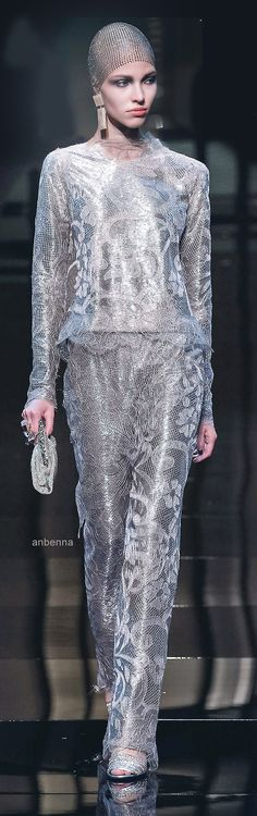 Armani Privé 2014 - If you don't love dresses,  why not? Still beyond chic!