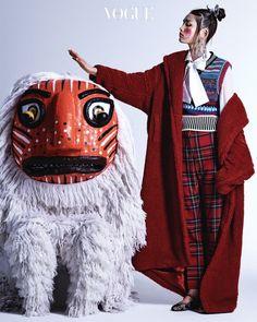 Yoo Young Kyu – Korean mask editorial for Vogue Korea, 2017 Vogue Korea, Oriental Fashion, Ethnic Fashion, Asian Fashion, Oriental Style, Image Mode, Mode Alternative, Ethno Style, Dresses Elegant