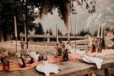 Table folk et sauvage - Elopement - nuage de fleurs - pampas Decoration Table, Furniture, Home Decor, Mountains, Cloud, Flowers, Interior Design, Home Interior Design, Arredamento