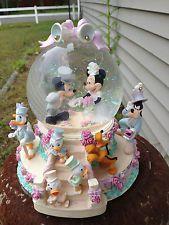 RARE-Disney Goofy,Minnie & Mickey Mouse Wedding March SnowGlobe Music Box W/Box*